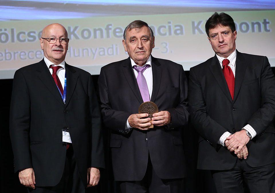 Rangos elismerést kapott Dr. Vajdovich István a MAÁSZT Kongresszusán